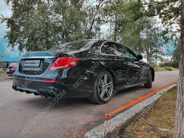 Диффузор с насадками e 53 AMG на Mercedes E Class W213