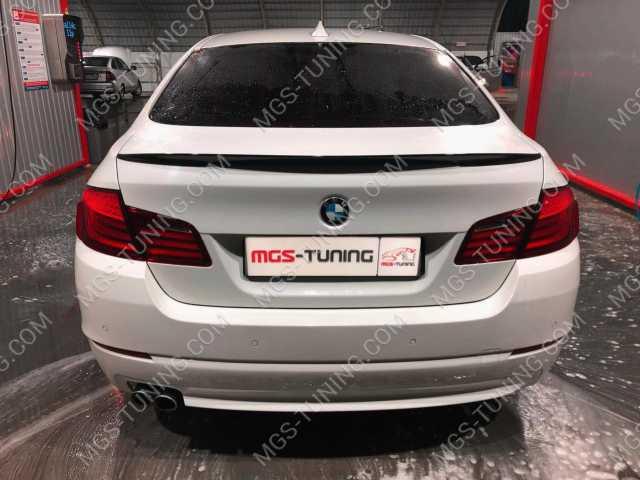 Спойлер на крышку багажника на BMW 5 Series F10 черный