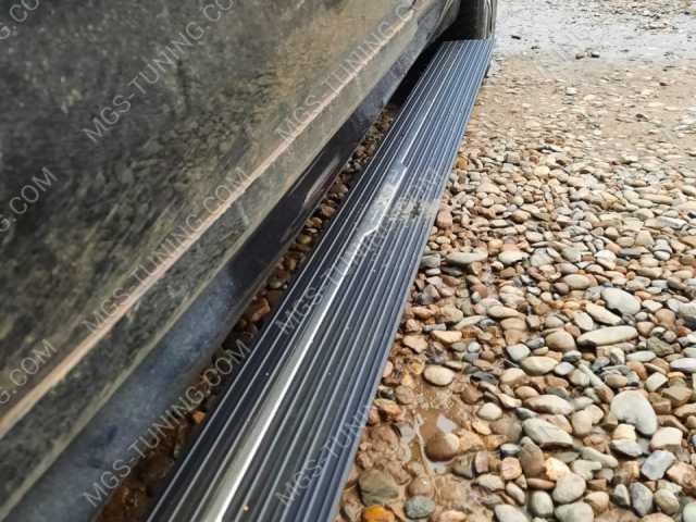 Выдвижные пороги (Ступеньки) на BMW X7 G07