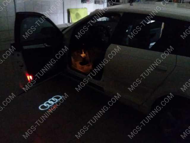 Светящийся логотип Audi, проэкция ауди, светящийся логотип ауди