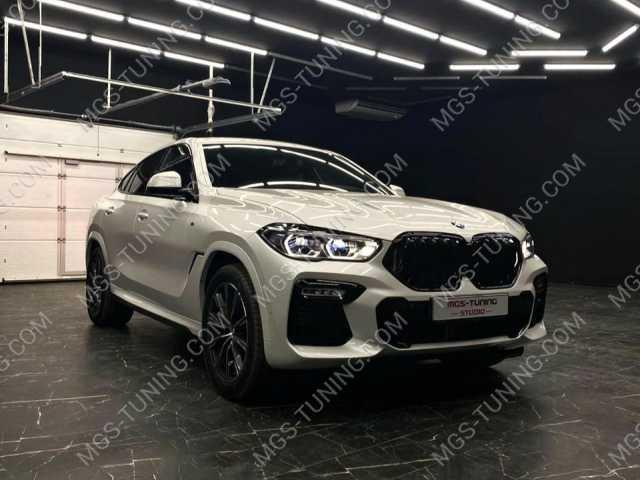 Черная решетка радиатора M Perfomance на BMW X6 G06