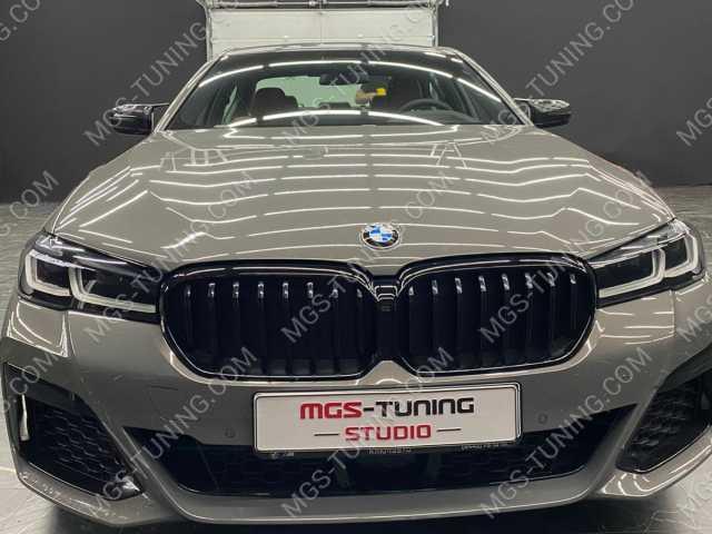 Решетка радиатора черная M Perfomance на BMW 5 Series G30 рестайлинг