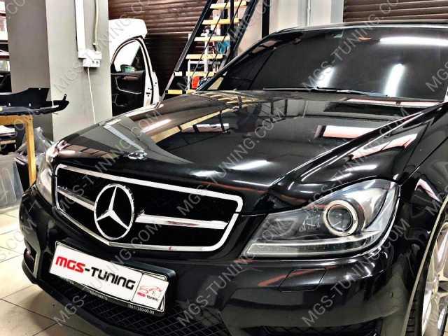 Решетка радиатора Mercedes c-class w204