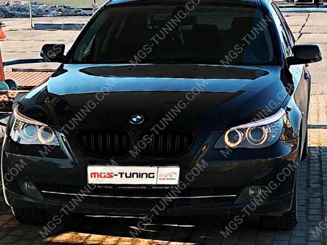 Решетка «Чёрный глянец» BMW 5 Series E60